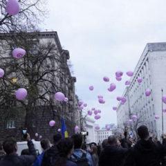 Противники Порошенко принесли «в жертву» воздушных свиней ради его проигрыша
