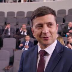 Зеленский сдал анализы для дебатов с Порошенко