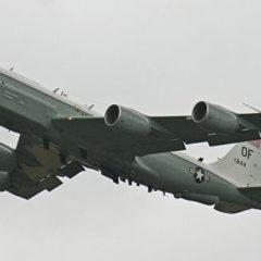 Два американских самолета провели разведку у российских границ