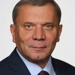 Вице-премьер по ОПК объяснил причины сокращения выпуска самолетов и вертолетов