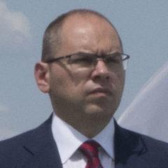 Кабмин решил уволить мятежного губернатора Одессы, «не обеспечившего» победу Порошенко