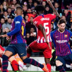 «Барселона» на последних минутах вырвала победу в матче с «Атлетико»