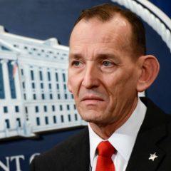 СМИ сообщили о поручении Трампа уволить главу Секретной службы США