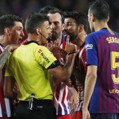 Игрока «Атлетико» дисквалифицировали до конца сезона за оскорбление судьи