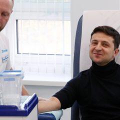 Зеленский перед дебатами с Порошенко проверился на наркотики