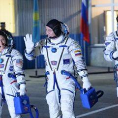 Треть россиян хотели бы полететь в космос как туристы, выяснили социологи