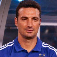 Главного тренера сборной Аргентины по футболисту сбила машина