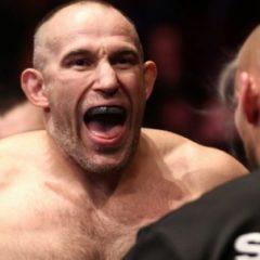 Алексей Олейник проиграл нокаутом в главном бою турнира UFC в Петербурге