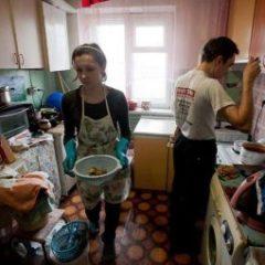 Россияне рассказали, сколько им нужно денег, чтобы сводить концы с концами