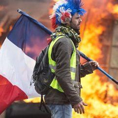 МВД Франции уточнило данные о количестве участников акций «желтых жилетов»