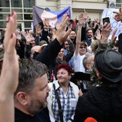 Правоохранители призвали штабы Порошенко и Зеленского избегать провокаций