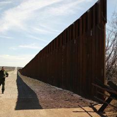 Пентагон заключил контракты на строительство стены на границе с Мексикой