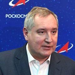 В Кремле в День космонавтики исполнили песни Рогозина