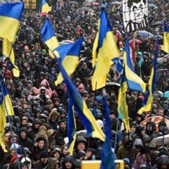 В Киеве на митинге в поддержку Порошенко произошла давка
