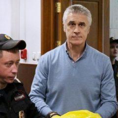 Основателя Baring Vostok Майкла Калви отпустили домой, запретив прогулки