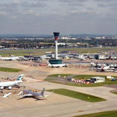 Британские экоактивисты пригрозили заблокировать аэропорт Хитроу