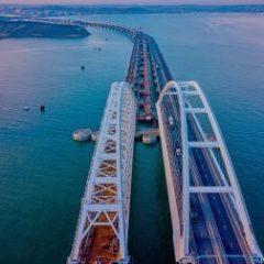 Будет просто снесен: Крымскому мосту грозит катастрофой грязевый вулкан (ВИДЕО)