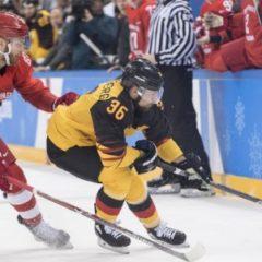 Хоккей не попал в тройку самых популярных видов спорта в России