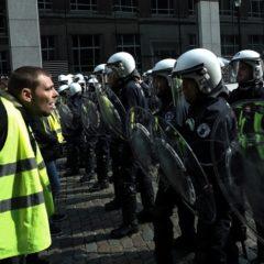 Правительство Франции пойдет на новые уступки «желтым жилетам»
