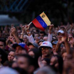 В Венесуэле допустили прибытие в страну новых военных из России