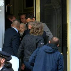 Посольство России в Лондоне оценило заявления о связях Ассанжа с Москвой