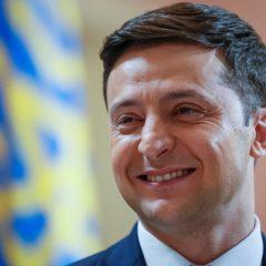 Зеленский предложил пользователям Instagram придумать вопросы Порошенко
