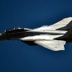 В Индии у МиГ-29К во время полета загорелся двигатель