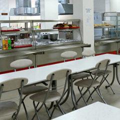 Исследование: четверть россиян не устраивает питание в течение рабочего дня