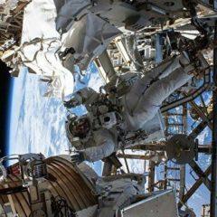 Астронавты завершили второй этап работ по ремонту спектрометра на МКС