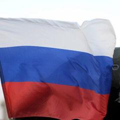 Российские военные раздали гумпомощь жителям сирийской Айн-Иссы