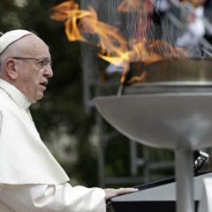 Папа Римский Франциск встретился в Токио с императором Японии