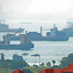 В Сингапуре за долги арестовали российский корабль Севастополь